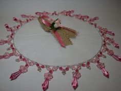 Recuerdos Maria Isabel Beaded Ornaments, Christmas Ornaments, Curtain Styles, Kanzashi, Bead Art, Kite, Doilies, Patches, Shabby Chic