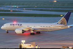 United Airlines, Boeing 787-8 Dreamliner