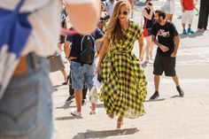 The NYFW Street-Style Looks That Truly Stunned #refinery29  http://www.refinery29.com/2014/09/73987/new-york-fashion-week-2014-street-style-photos#slide45
