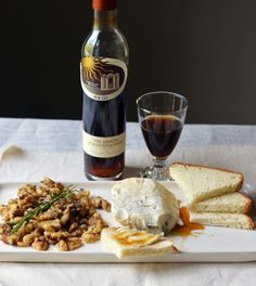 An Italian Wine Dinner Menu, Food And Drinks, vin santo, gorgonzola, honey and walnuts Dinner Party Menu, Wine Dinner, Dinner Parties, Bunco Party, Dinner Club, Parties Food, Wine Wednesday, Italian Menu, Italian Recipes