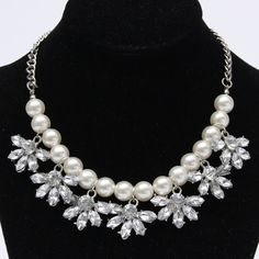 Sale 28% (3.49$) - Crystal Pearl Flower Choker Chain Chunky Pendant Necklace