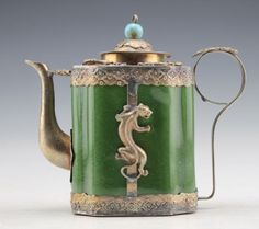 COLLECTIBLES DECORATED CHINESE VINTAGE HAND WORK PORCELAIN ARMORED TEA POT | the Teapots Collectionary