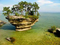 Turnip Rock, Lake Huron (Michigan/Canada)
