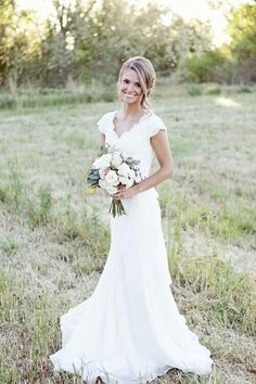 This Is My Dream Wedding Dress. ♡ Simple, yet beautiful .