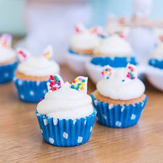 With Easter just days away, I have this Super Easy Easter Bunny Cupcake recipe to share with you all 🐰 Can they get anymore adorable? Easter Bunny Cupcakes, Mini Cupcakes, Easy Baking Recipes, Sweet Life, Cupcake Recipes, Super Easy, Desserts, Food, Tailgate Desserts