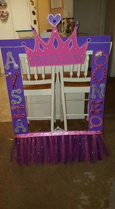 Princess Princess Theme Party, Disney Princess Party, Baby Shower Princess, Princess Birthday, Sofia Party, Pig Party, Baby Party, Princess Photo Frames, Party Frame