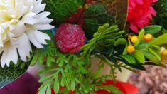 FINETE SI SENSIBILITATE INTR-UN ARANJAMENT CU FLORI DE SAPUN Strawberry, Soap, Fruit, Nature, Youtube, Naturaleza, Strawberry Fruit, Nature Illustration, Bar Soap