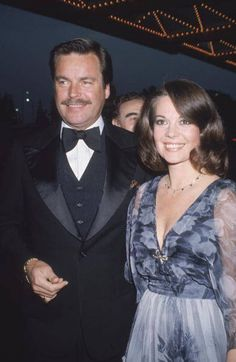 Married American actors Natalie Wood and Robert Wagner attending a formal event in 1980. A year later, Natalie died.