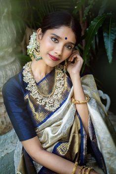 Navy Blue Saree, Blue Silk Saree, Kanjivaram Sarees Silk, Banarsi Saree, Kanchipuram Saree, White Saree Blouse, Blue Color Combinations, Set Saree, Bridal Lehenga Collection