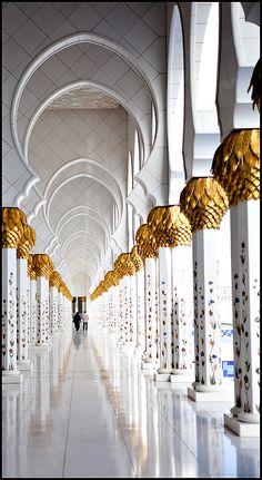 ABU DHABI - GRAND MOSQUE