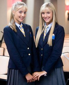 "Camilla ""Milly"" Rosso and Rebecca ""Becky"" Rosso (born 6 July 1994 in England) are identical twin actresses. School Girl Outfit, School Uniform Girls, Girls Uniforms, Girl Outfits, Twin Girls, Twin Sisters, Cute Twins, Cute Girls, Legaly Blonde"