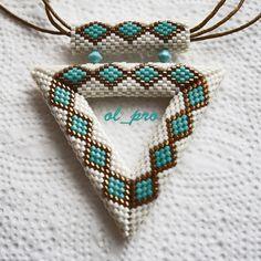 Треугольник Turquoise | biser.info - всё о бисере и бисерном творчестве