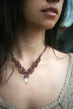 Crystal Point Macrame Necklace Bordeaux Healing by MacramaniaShop