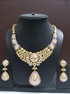 Crafting incomparable Royal Jewelry, India Jewelry, Trendy Jewelry, Jewelry Sets, Jewelry Design, Designer Jewellery, Necklace Set, Pendant Necklace, Jewelry Patterns