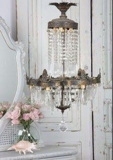 Crystal chandelier for cottage or Shabby Chic home. Chandelier Bougie, French Chandelier, Antique Chandelier, Shabby Chic Style, Shabby Chic Homes, Shabby Chic Decor, Shaby Chic, Shabby Vintage, Vintage Decor