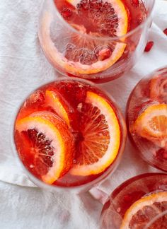 Blood Orange and Pomegranate Sparkling Sangria -You can find Sangria and more on our website.Blood Orange and Pomegranate Sparkling Sangria - Sparkling Sangria, Rose Sangria, Sangria Color, Champagne Punch Recipes, Sangria Recipes, Cocktail Recipes, Drink Recipes, Granada, Make Simple Syrup