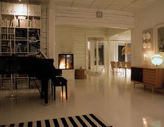 Rakas vanha valkoinen taloni Home Decor, Decoration Home, Room Decor, Home Interior Design, Home Decoration, Interior Design
