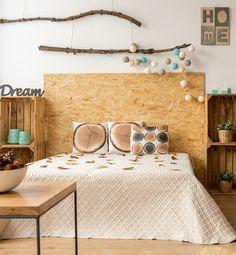 Dans la cuisine, la chambre ou même le salon la tendance meuble OSB n'a pas fini de parler d'elle. Ou trouver un meuble OSB, quel est son origine et inspiration DIY pour faire vous-même votre déco. deco osb tete de lit diy blog decoration clem around the corner #osb #clematc #tetedelit #diydeco #diy #diyosb #chambre
