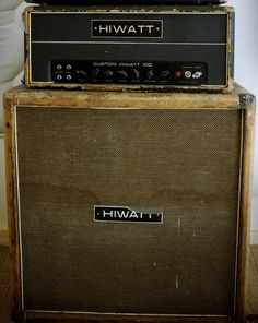 Not much looks better than a thrashed and dirty Hiwatt.