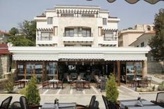 hotel-selena-balcik Black Sea, Home Fashion, Mansions, House Styles, Selena, Home Decor, Littoral Zone, Decoration Home, Manor Houses