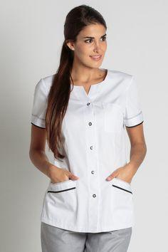 Blouse médicale moderne Barcelonnette - Tunique Infirmiére Spa Uniform, Scrubs Uniform, Maid Uniform, Medical Uniforms, Work Uniforms, Nursing Wear, Nursing Clothes, Doctor White Coat, Salon Wear