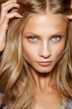 anna selezneva. Love the natural look | bronzer | summer complexion. Maybe a little less gold