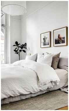 The ideas presented in this article will be of great use while you are preparing to decorate a master bedroom, especially if you have a small master bedroom. There are multitudes of ways to make a small master bedroom look… Continue Reading → Minimalist Apartment, Minimalist Room, Bedroom Ideas Minimalist, Minimalist Style, Minimalist Scandinavian, Scandinavian Style, Bedroom Layouts, Bedroom Sets, Cozy Bedroom