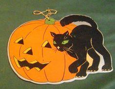 VINTAGE HALLOWEEN CARDBOARD POSTER OF JACK O LANTERN & BLACK CAT