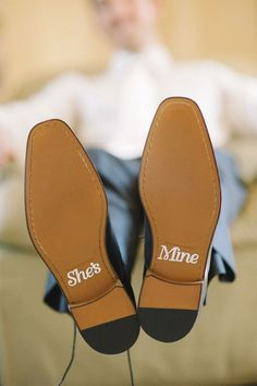 Love the secret message on this groom's shoes!