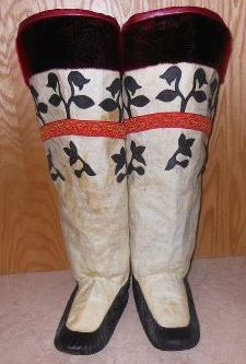 Inuit made sealskin kamiks by Mona Netser - look at that gorgeous balance of colour and dark/light!