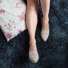 No meu domingo perfeito teve: slipper look confortável (mas estiloso) e cabelo trançado bagunçadinho. #ValentinaFlats #shoes #fashion #loveit #loveshoes #shoeslover #sapatilha #bordado #look #hair