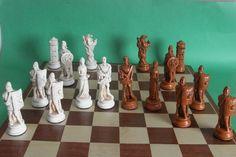 Roman Chess Pieces Maple/Ivory