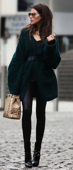 fashion trends | oversized cardigan bag top leather skinnies boots