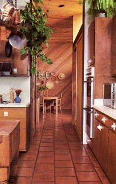 home decor kitchen A Brief History of Kitchen Design Layout Design, Küchen Design, House Design, Design Ideas, Pollo Tropical, Design Lounge, Retro Interior Design, Modern Interior, Apartment Design