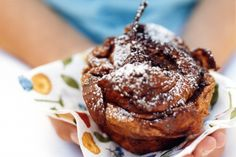Chocolate croissant cakes that also feature pears! | Pear & Chocolate Croissant Cakes. http://www.taste.com.au/recipes/6844/pear+chocolate+croissant+cakes
