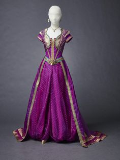 Aladdin Costume, Disney Costumes, Movie Costumes, Woman Costumes, Couple Costumes, Adult Costumes, Halloween Costumes, Disney Princess Dresses, Disney Dresses