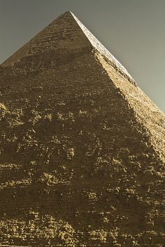 Pirámide del faraón Kefren de la dinastía IV, situada en Giza.