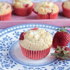 strawberry cream cheese muffins
