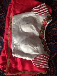 Saree Blouse Neck Designs, Half Saree Designs, Saree Blouse Patterns, Designer Blouse Patterns, Hand Work Blouse Design, Simple Blouse Designs, Maggam Work Designs, Sleeve Designs, Blouse Models