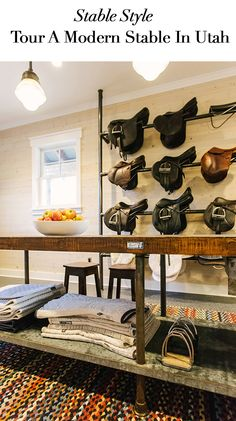 a stunning tack room. Look at those saddle racks. I like how they are sideways so you can admire the saddle. Equestrian Stables, Equestrian Decor, Horse Stables, Horse Barns, Dream Stables, Tack Room Organization, Horse Tack Rooms, Horse Barn Designs, Horse Shelter