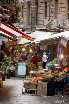 Outdoor market in Palermo Sicily. I so long for a big farmer's market where we can spend half the day or more exploring all the goodies. The post Outdoor market in Palermo Sicily. I so long for a big farmer's market where appeared first on street. The Places Youll Go, Places To Visit, Beautiful World, Beautiful Places, La Trattoria, Amalfi, Palermo Sicily, Sicily Italy, Dream Vacations