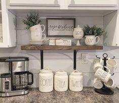 Farmhouse Kitchen Decor, Home Decor Kitchen, New Kitchen, Decorating Kitchen, Kitchen Ideas, White Kitchen Decor, Kitchen Photos, Kitchen Reno, Country Farmhouse