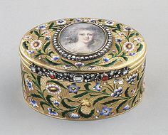Snuffbox, 18th century, Europe; gold, enamel, diamonds. The Metropolitan Museum of Art