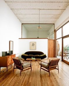 10 Timeless Furniture Classics that Never Go Out of Style - Style Architectural Mid Century Modern Living Room, Mid Century House, Living Room Modern, Living Room Designs, Small Living, Modern Couch, Mid Century Decor, Clean Living, Mid Century Furniture