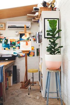 House Tour: A Creative Retro-Style House in Australia | Apartment Therapy
