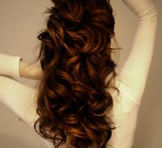 I WANT THIS HAIR COLOR!! DEEP GOLDEN BROWN