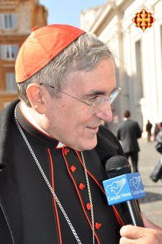 El Cardenal Sistach atenent a la premsa