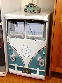 What does every Kombi fan need? Their fridge turned into their favourite car which will be sure to make a lasting impression on any household!! These Forty Horse graphics are a stock size of 550mmW x