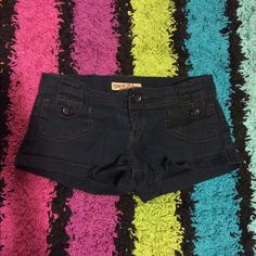 super cute shorts perfect for summer time these shorts are extremely comfortable and perfect for every day wear during the summer. sadly they are too small for me. any wrinkles are from storage and can easily be removed with an iron Shorts