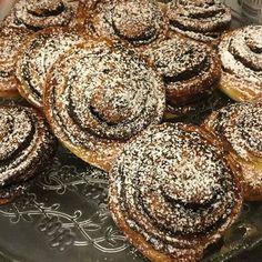 Házi kakaós csiga készítése – Tortaiskola Hungarian Recipes, Muffin, Food And Drink, Breakfast, France, Morning Coffee, Muffins, Cupcakes